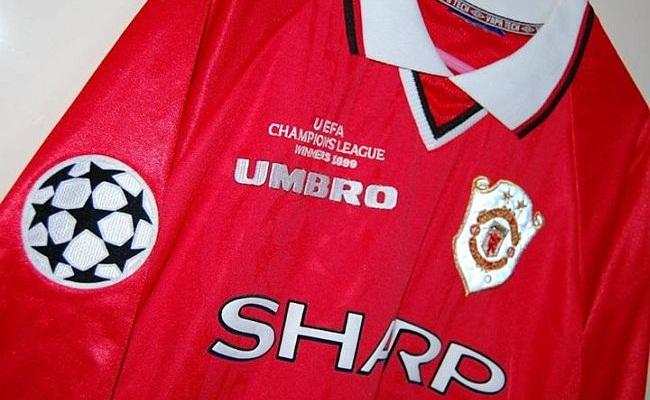 Inglês tem quase 200 camisas do United