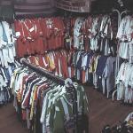 Brechó de Porto Alegre fica famoso entre colecionadores de camisas de  futebol 6a483317c24b9