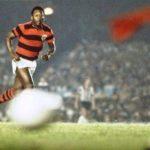 Pelé voltou aos campos pelo Flamengo, em goleada sobre Atlético-MG, em 1979 (Foto: Reprodução)