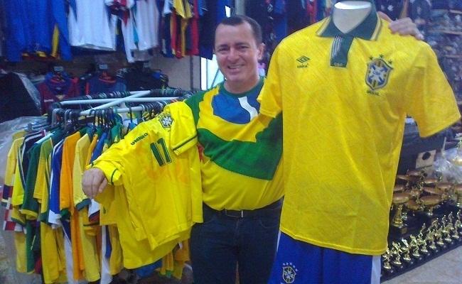Loja ainda vende camisas do Brasil de 1994
