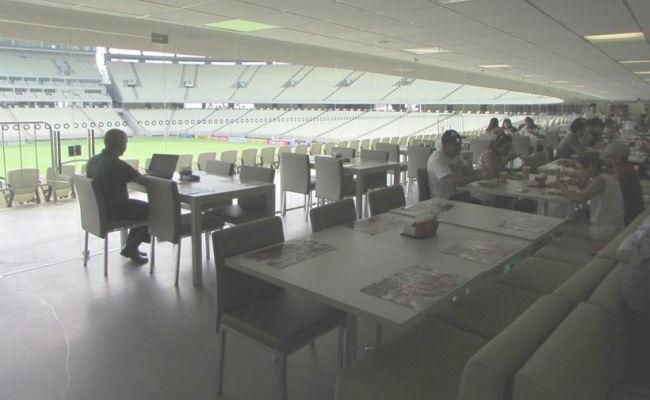 Castelão tem almoço com vista do campo