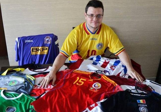 Brasileiro tem 60 camisas da Romênia
