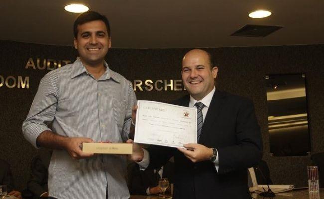 Verminosos vence 2º prêmio de jornalismo
