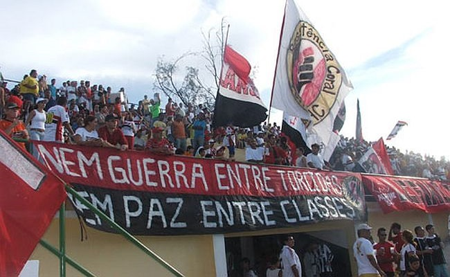 Torcida do Ferrão: mais politizada do país