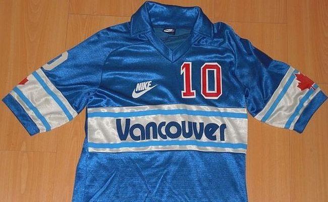 Início da Nike no futebol não foi nos anos 90