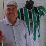 O Juventude do Bom Jardim, time do técnico cego Flávio Aurélio Silva, ganhou uniforme fabricado pela Fackel Sports, empresa cearense de material esportivo (Foto: Divulgação)