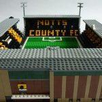 O Brickstand, de Chris Smith, produz miniaturas de estádios britânicos com peças de Lego (Foto: Divulgação)