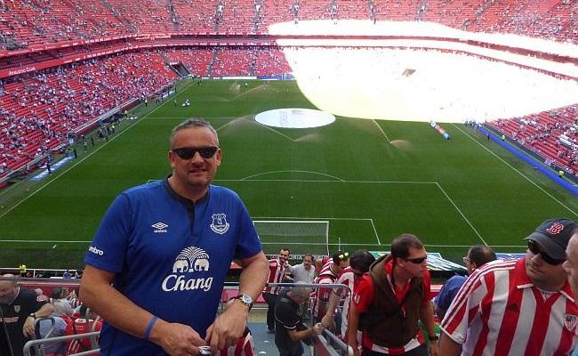 Inglês viu jogos em 2 mil estádios