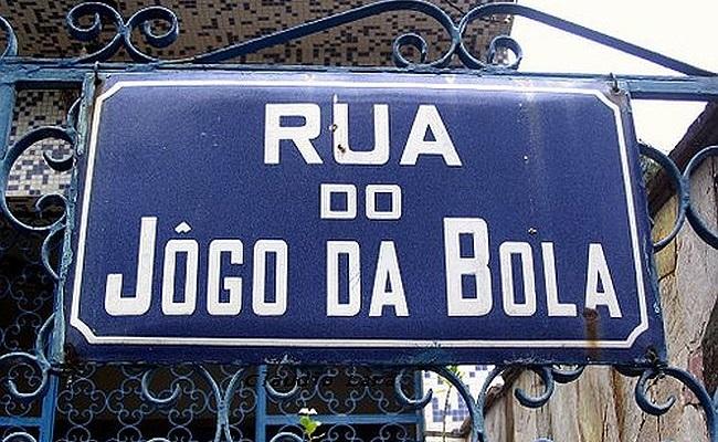 Jogo da Bola: a rua mais simpática do país