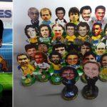 Christian Gama pretende produzir 2.000 modelos de bonecos minicraques de papel (Foto: Divulgação)