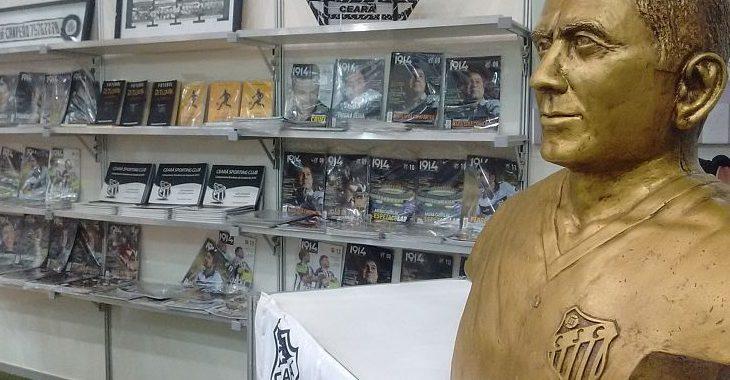 Estande do Ceará na Bienal do Livro vende coleção da Revista 1914