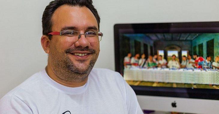 """Estudante recria quadro """"A Última Ceia"""" com camisas de times brasileiros"""