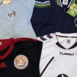 As três camisas e o casaco... Relíquias! (Foto: Rafael Luis Azevedo/Verminosos por Futebol)