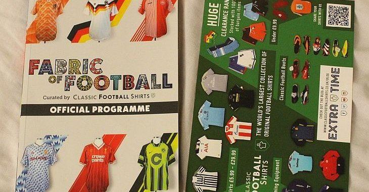 Veja como é o livro da exposição Fabric of Football, do Classic Football Shirts