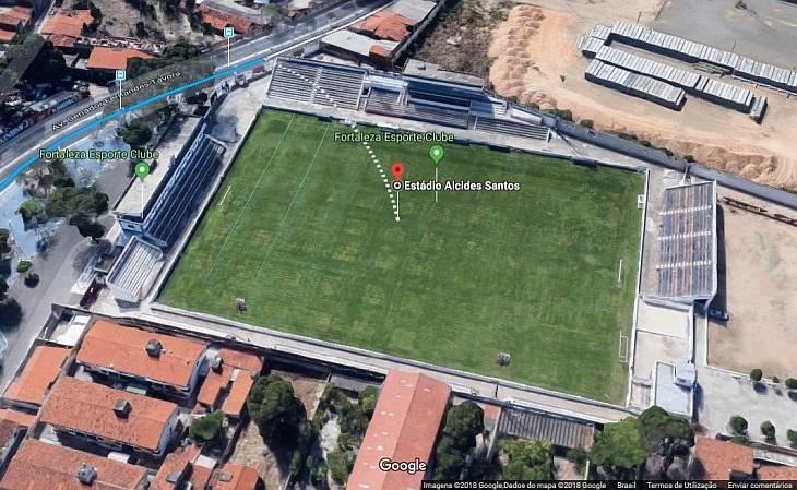 O estádio Alcides Santos foi aberto em 1962, ainda no bairro Pici (Foto: Google)