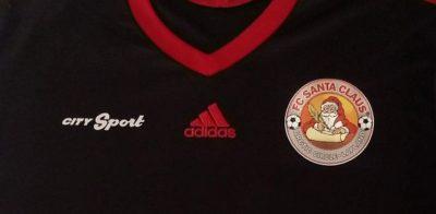 Saiba onde comprar camisas do FC Santa Claus, o time da cidade do Papai Noel