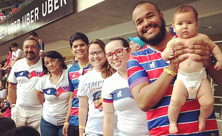 A família de Marcelo vai toda junta aos jogos do Fortaleza (Foto: Acervo pessoal)
