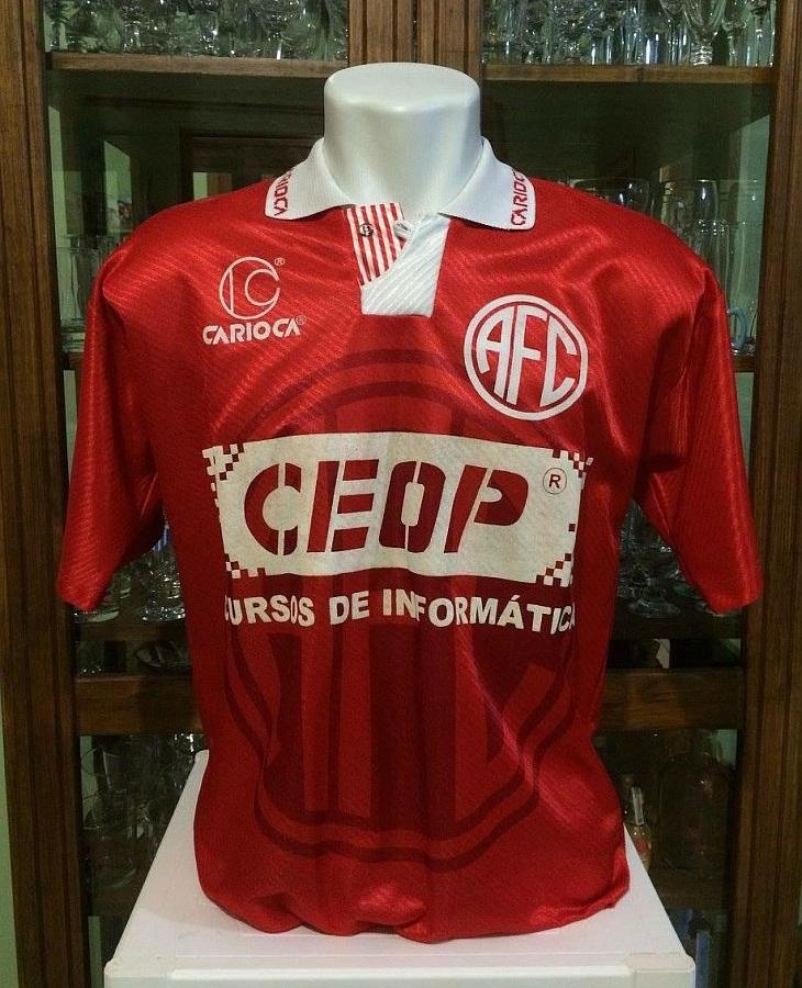2a07c7289d837 Muitas camisas da Carioca viraram clássicos do futebol brasileiro (Foto   Reprodução)