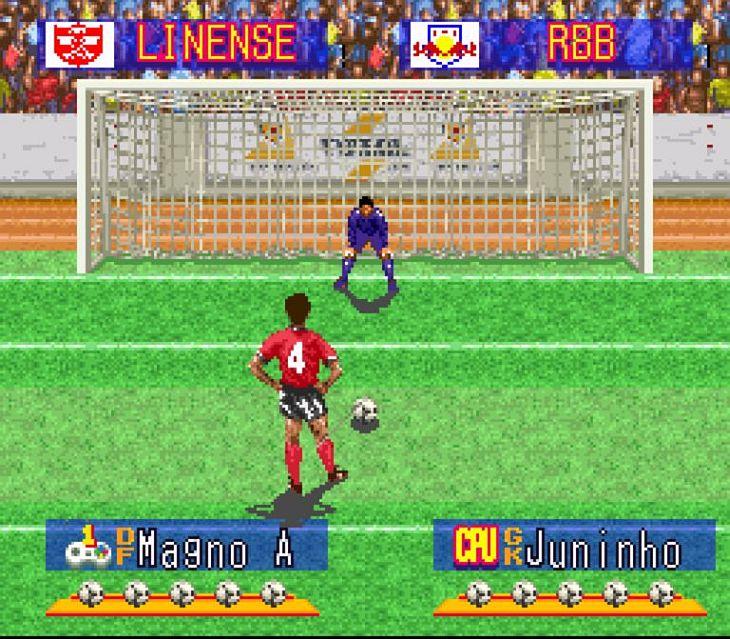 FOTO - Lembra como eram as cobranças de pênalti no Superstar Soccer? (Foto: Reprodução)