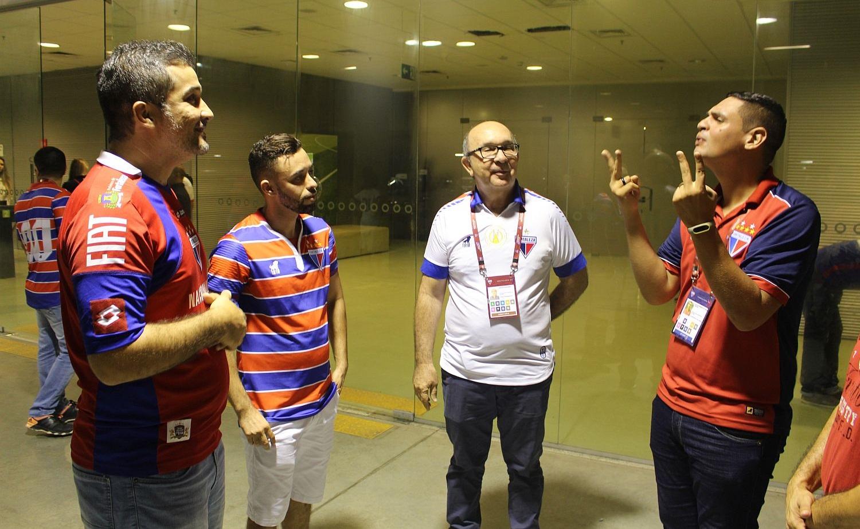 Surdos contam com tradução caso precisem nos estádios de Fortaleza (Foto: Rafael Luis Azevedo/Verminosos por Futebol)
