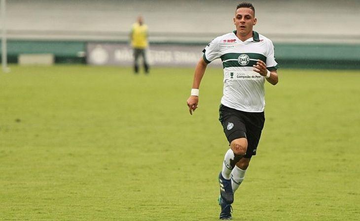 Angelo Chaves participou da campanha do título do último estadual sub-19 (Foto: Coritiba/Divulgação)
