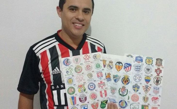 O hobby dele é desenhar a mão escudos de futebol. E sua coleção é impressionante!