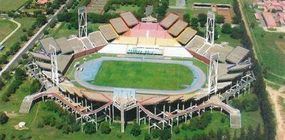 Não há no mundo um estádio tão exótico quanto o Mmabatho, da África do Sul