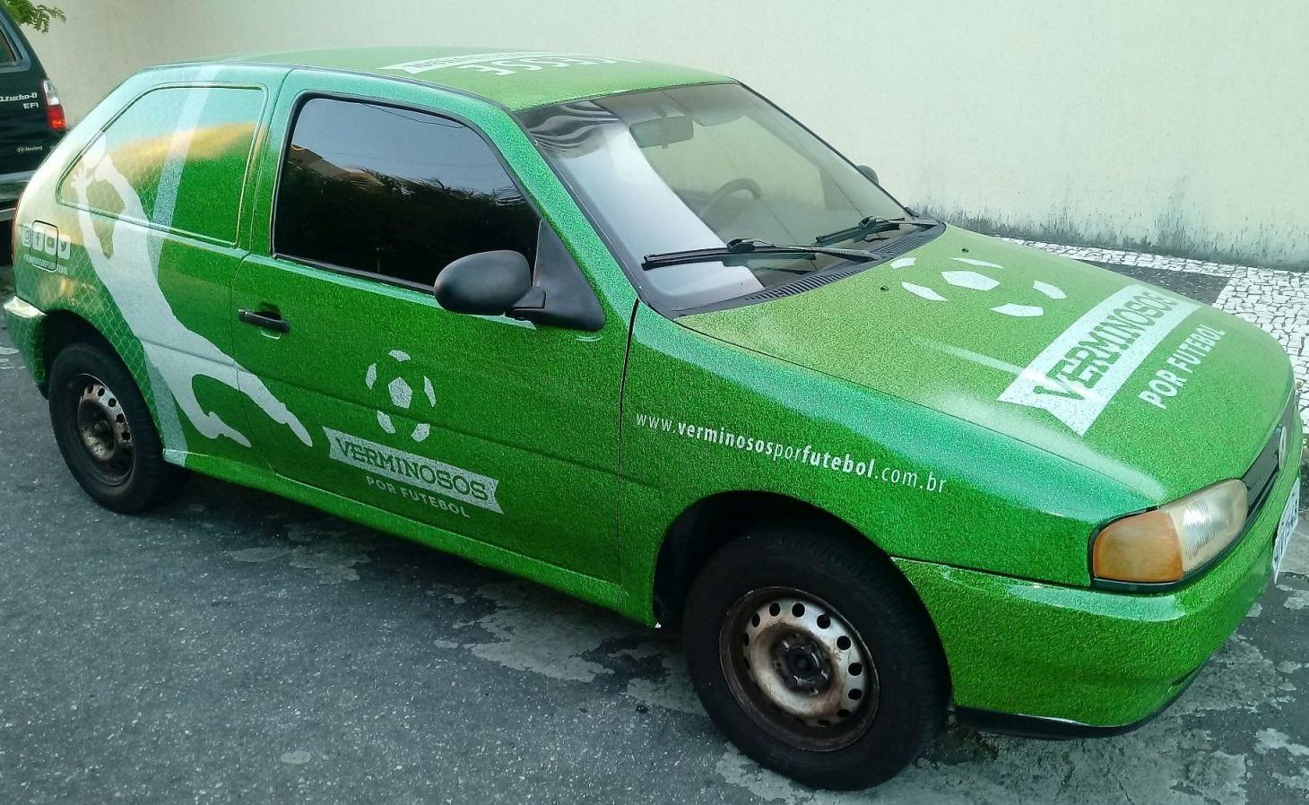 Cinco anos depois da 1ª adesivagem, o carro agora tem nova cara (Foto: Verminosos por Futebol)