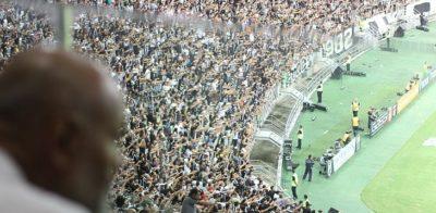 Futebol para Todos: Projeto leva pessoas em situação de rua a jogos no Castelão