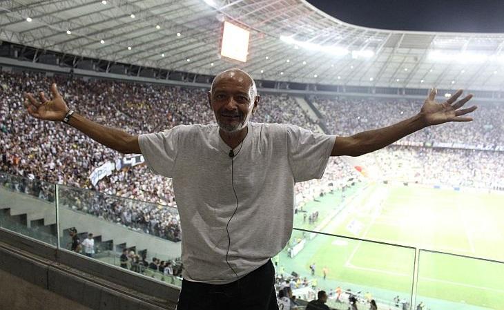 """""""Nunca pensei que eu voltaria a entrar no Castelão. Obrigado"""" (Foto: Rafael Luis Azevedo/Verminosos por Futebol)"""