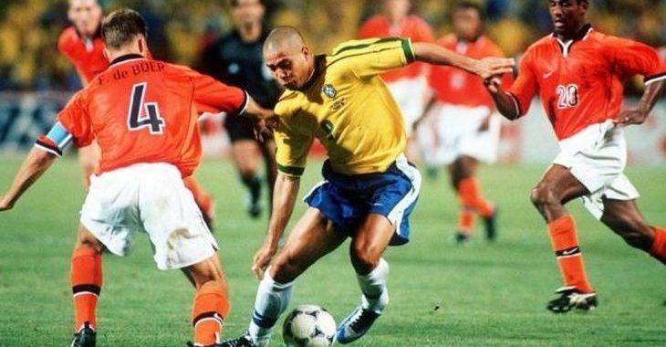 5 jogos de futebol que valem a pena rever