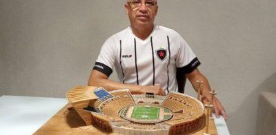 Torcedor do Botafogo-PB constrói miniatura do estádio Almeidão com palitos de fósforo