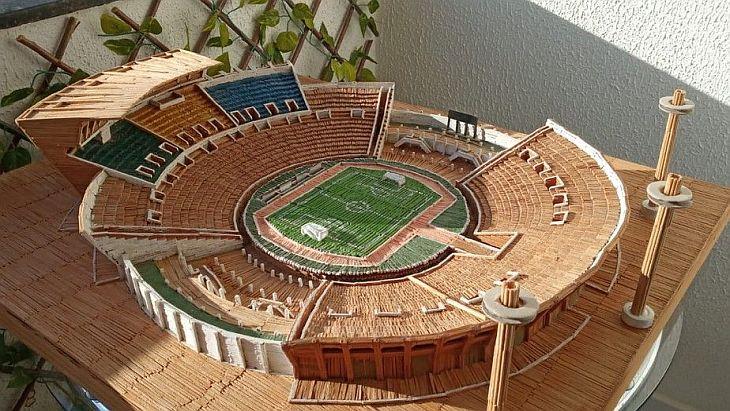 Ficou bonita mesmo a miniatura do estádio Almeidão, né? (Foto: Acervo pessoal)