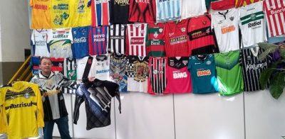 Este senhor materializou QUASE TODAS as camisas clássicas de times brasileiros dos anos 90