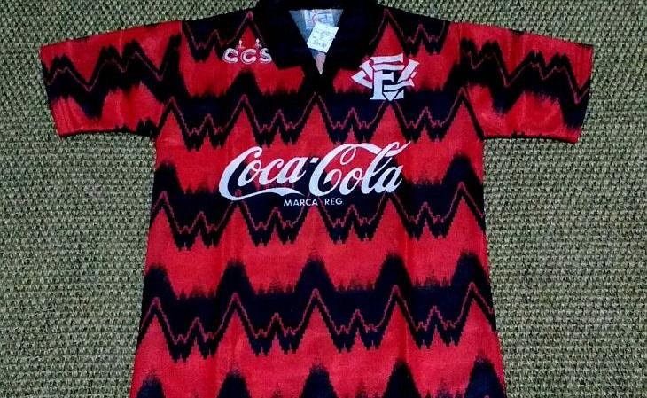 A camisa do Vitória de 1993 foi a mais marcante da paulistana CCS (Foto: Reprodução)