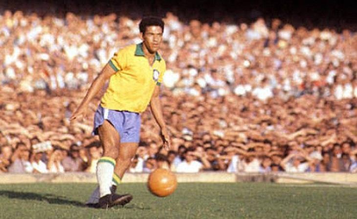 O camisa 7 formou parceria imbatível com Pelé: juntos, eles nunca perderam (Foto: Reprodução)