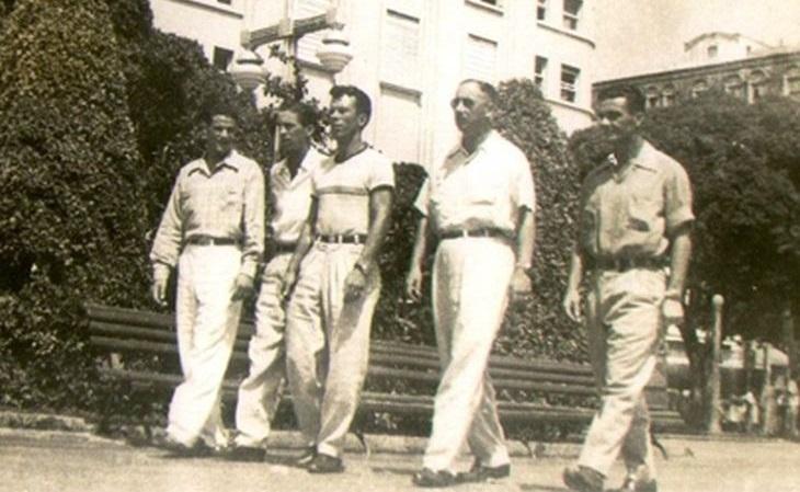 Valdir de Moraes (2º da esq. para dir.) e Ênio Andrade (3º), em Fortaleza, em 1953 (Foto: Memorial do Renner)