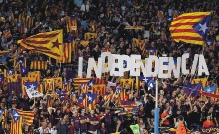 Campanha em prol da independência da Catalunha é comum na torcida do Barça (Foto: Reprodução)
