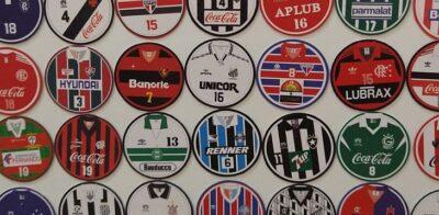 Perfil no Instagram vende ímãs de times de botão inspirados em camisas de futebol