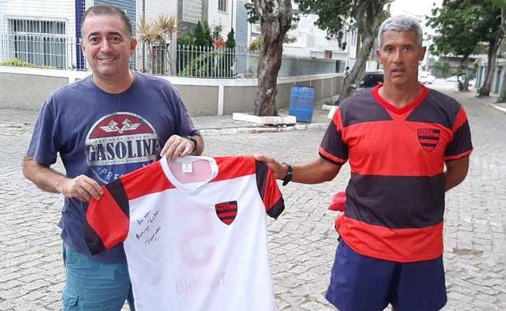 Flávio Rebel é um entusiasta dos clubes do antigo estado do Rio de Janeiro (Foto: Vila la Resenha)