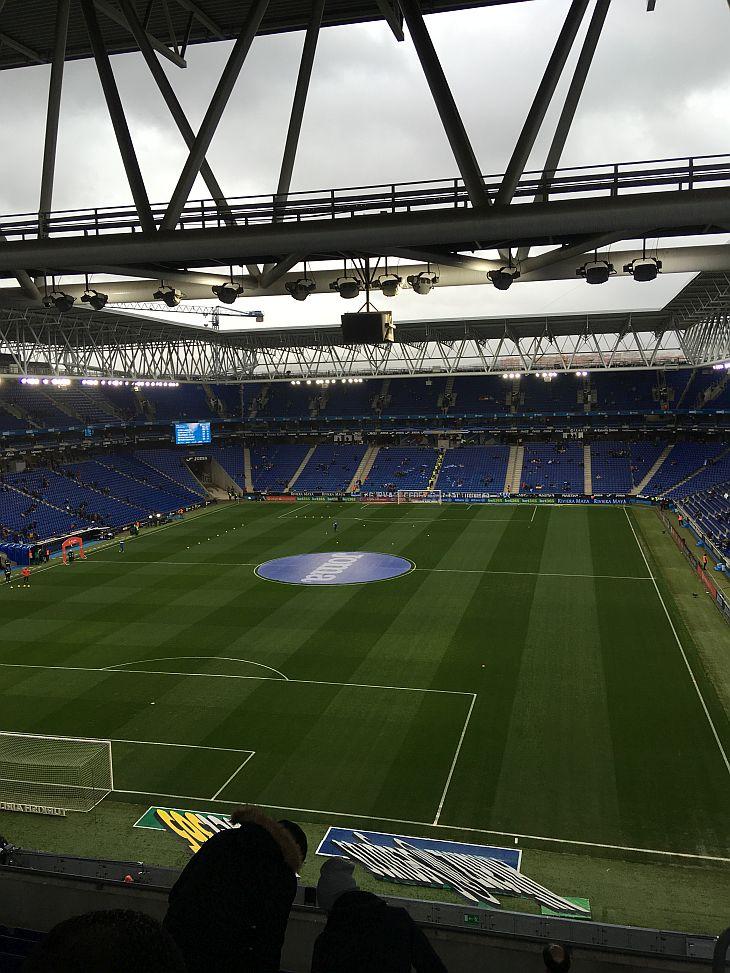 Posição em que Victor Caselli ficou no estádio, no último andar (Foto: Victor Caselli)