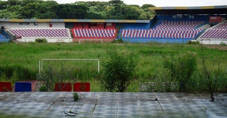 Três estádios de Curitiba que morreram (ou agonizam)